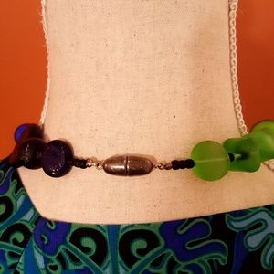 Jewelry - Necklace of frosted glass beads